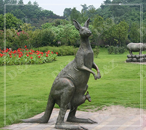 LIFE SIZE KANGAROO OUTDOOR STATUES FOR SALE DZ-KANGAROO13