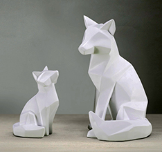 New design fiberglass mother fox and baby sculpture