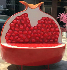 Large fruit bench staute for shopping mall decoration