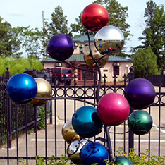 outdoor stianless steel sculpture colorful ball tree decor